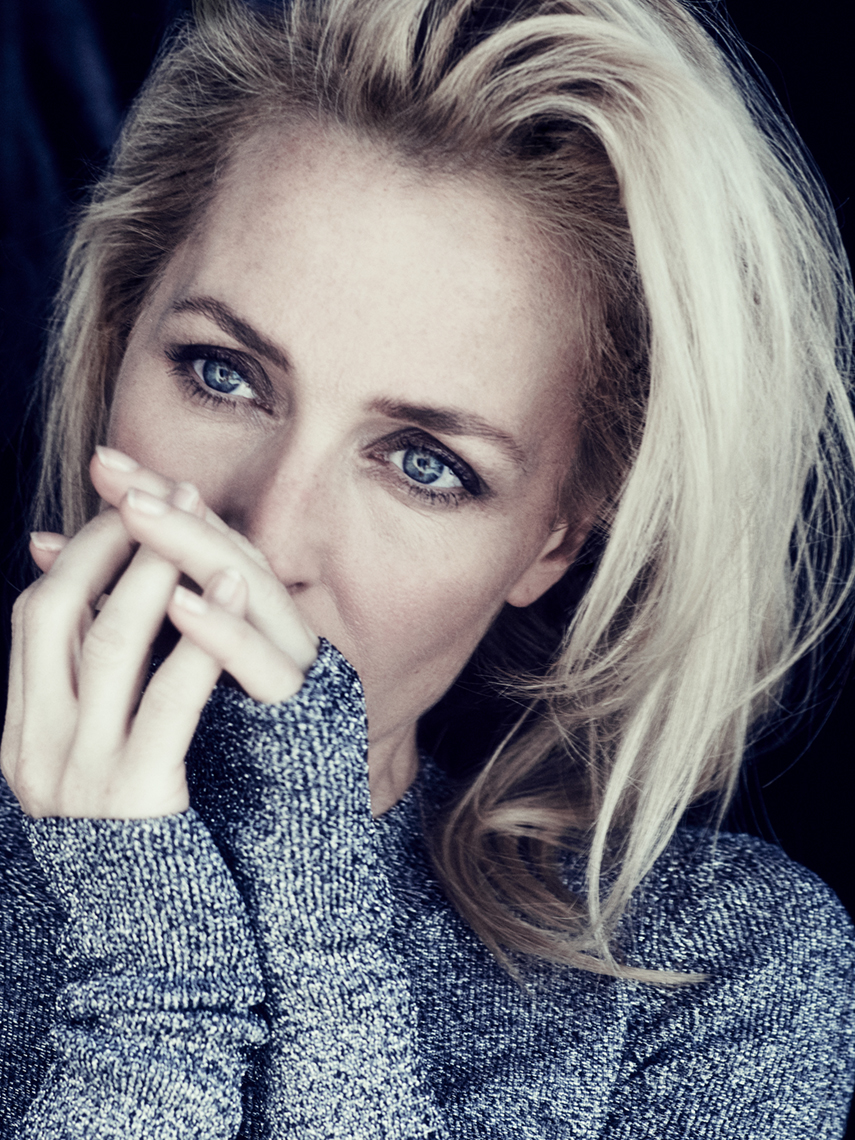 Editorial_Gillian_Anderson_Jenny_Hands_7x