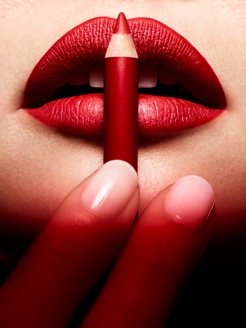 Muse_Beauty_Red_Lips_Jenny_Hands_03XX